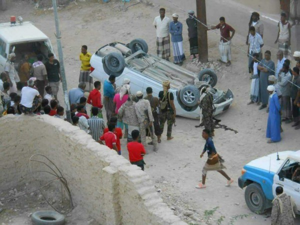 Unidentified gunmen assassinate the personal escort of the Director of Security of Hadhramaut Valley