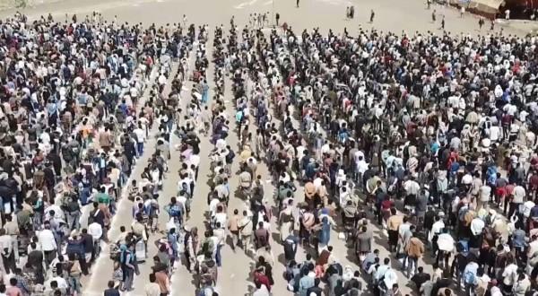 Taiz parties blast popular resistance for pulling soldiers from Saudi-Yemen border