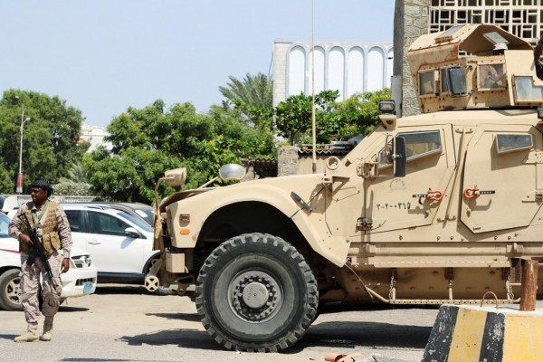 Saudi military forces seen heading to Lahj governorate toward Al-Anad airbase