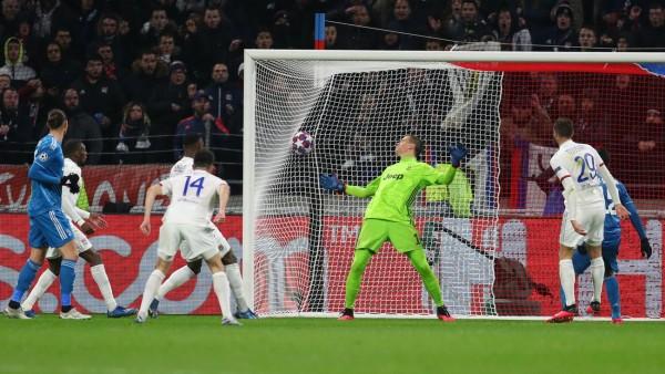 Lyon 1-0 Juventus: Tousart gives Garcia's men first-leg advantage