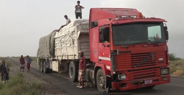 WFP truck carrying food aid hits Houthi landmine in Hodeidah