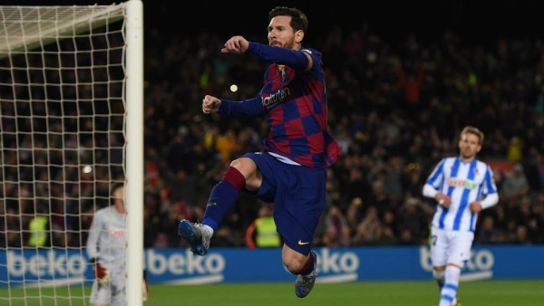 Late Lionel Messi penalty saves hosts