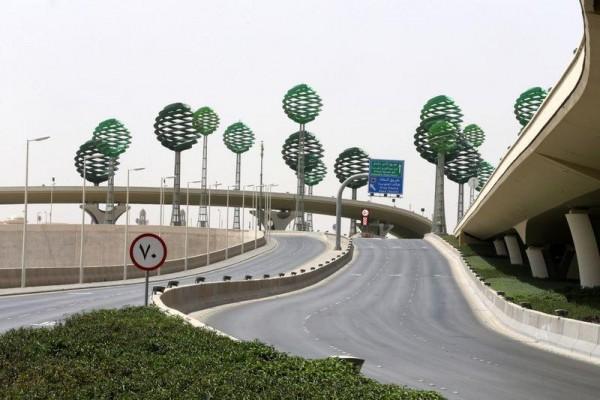 Saudi Arabia extends coronavirus curfew, UAE warns on worker repatriation